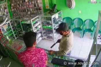 """Ladrón a comerciante: """"Me mandaron a buscar las varas"""" (video) - Soy502"""