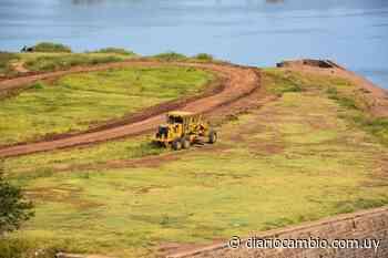 Intendencia de Salto realiza mantenimiento del puente Los Algarrobos en Costanera Sur | Diario Cambio - Diario Cambio