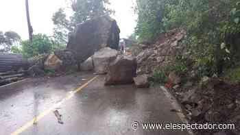 Cierran vía Viotá-La Victoria por caída de rocas debido a las fuertes lluvias - El Espectador