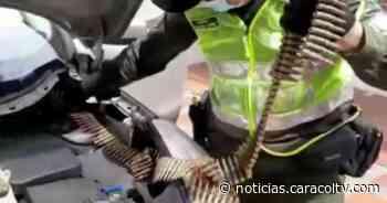 Pareja fue sorprendida transportando más de 3 mil cartuchos de fusil en un carro - Noticias Caracol