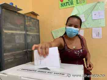 Aulas cerradas y falta de tinta en centros de votación en Sabanagrande - Diario El Heraldo - ElHeraldo.hn