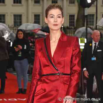 Rosamund Pike suiting up for 'First Lady President' podcast - Film News