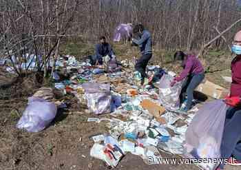 Volontari ripuliscono i boschi di Fagnano Olona - VareseNews - Foto - Varesenews