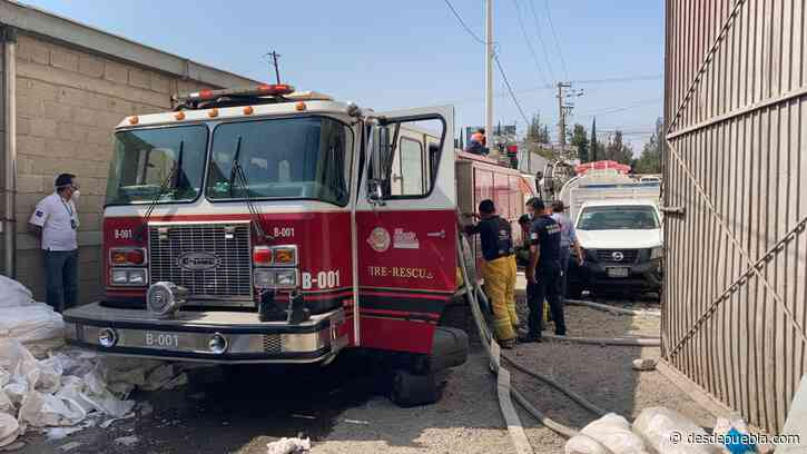 Desde San Andrés Cholula: Bomberos sofocan incendio en bodega de Tlaxcalancingo - DesdePuebla