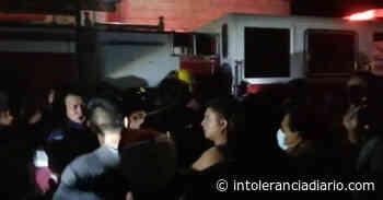 Zinacatepec: agreden a bomberos por llegar tarde a un incendio - Intolerancia Diario