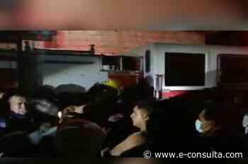 Por llegar tarde a incendio, agreden a bomberos en Zinacatepec - e-consulta