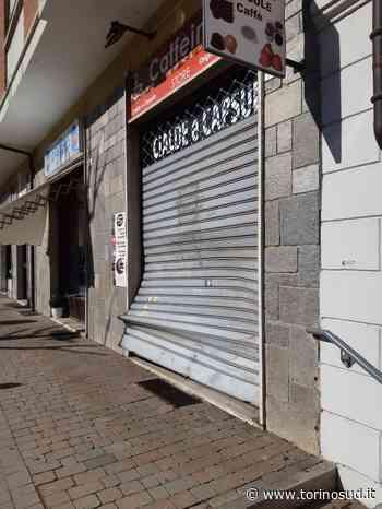 BEINASCO - Ha un malore mentre parcheggia e sfonda la saracinesca del negozio - TorinoSud