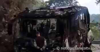 Queman bus de pasajeros que cubría la ruta Ituango-Medellín - Noticias Caracol