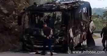 Video: disidencias de las Farc quemaron un bus en Ituango, Antioquia - infobae