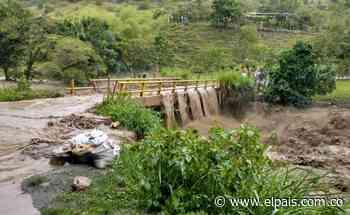 200 familias fueron afectadas en Bugalagrande por la creciente del río - El País