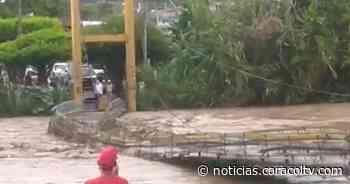 Emergencia invernal en el Valle del Cauca: la creciente de un río destruyó un puente peatonal - Noticias Caracol