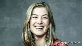 First Look at Rosamund Pike's 'Wheel of Time' Character Revealed in New Teaser - PopCulture.com