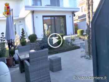 Lainate, il blitz della polizia nella lussuosa villa del truffatore - Corriere TV