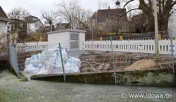 Attenhofen - Mauer am Feuerlöschteich ist eingestürzt - idowa
