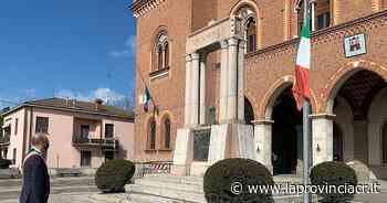 Minuto di silenzio in piazza a Castelvetro Piacentino - La Provincia