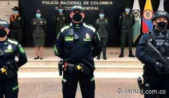 Barichara, primero en usar nuevo uniforme de la Policía - Caracol Radio
