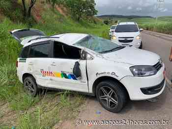 Taxista fica ferido em capotamento na AL 105, em Porto Calvo - Alagoas 24 Horas