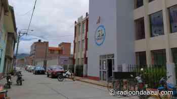 Denuncian que en la UGEL Yunguyo se vienen cometiendo varias irregularidades - Radio Onda Azul
