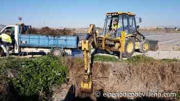 Medio Ambiente despeja la Acequia de San Juan y Paso Alto para evitar desbordes por las lluvias - El Periódico de Villena