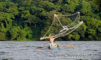 Tendaleros y representantes de grupo hacen su agosto, en Catemaco - Diario Eyipantla