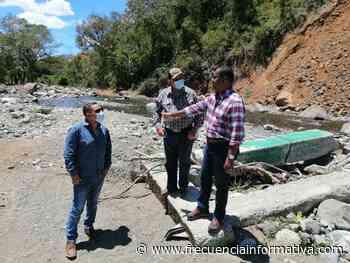 Autoridades inspeccionan camino y puente colapsado sobre el río Chorchita en Gualaca - Chiriquí - frecuenciainformativa.com