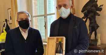 """Civitanova, ribalta internazionale per Fontezoppa: James Suckling premia il Ribona 'Asola"""" - Picchio News"""