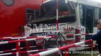 Varios heridos tras chocar un colectivo y el tren en Tortuguitas - SMnoticias