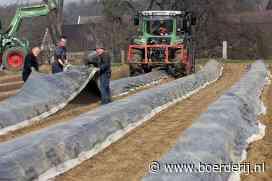 Nieuwsfoto's: Zaaien en bemesten, landwerk barst los - Boerderij