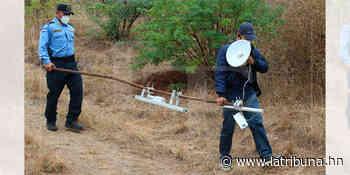 Desmantelan antena clandestina usada por pandilleros cerca del centro penal de Támara - La Tribuna.hn