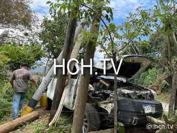 ¡Macanazo! Arrancó dos postes en carretera a La Guama, Peña Blanca - hch.tv