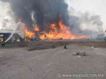 14:35 Arde mercado de muebles rústicos en Ixtapaluca - Excélsior