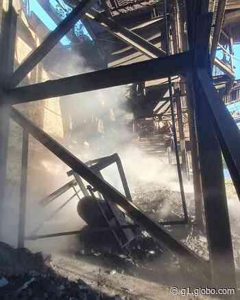 Incêndio destrói galpão de siderúrgica desativada em Bom Despacho - G1