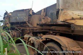 Colisão entre carretas deixa trânsito lento na BR-364 em Pimenta Bueno - Rondônia Dinâmica