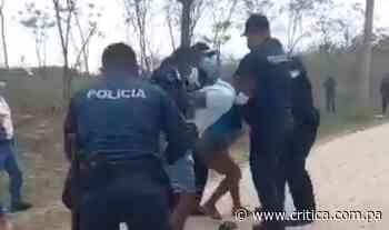 """""""¡No están haciendo nada!"""" Precaristas en Caimitillo se enfrentan a la Policía Nacional (Video) - Crítica"""