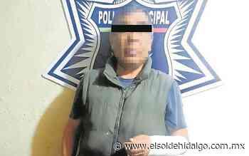Policías municipales de Apan detienen a sujeto agresivo - El Sol de Hidalgo