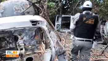 BPRv flagra quatro carros queimados em canavial na cidade de Satuba, AL - G1