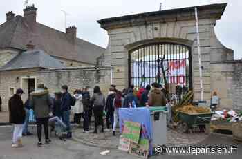 Thiverval-Grignon : opposés à la vente du site, les étudiants bloquent AgroParisTech - Le Parisien