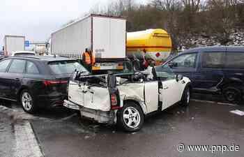 Massenkarambolage mit über 65 Autos: Halbe Million Euro Schaden - Passauer Neue Presse