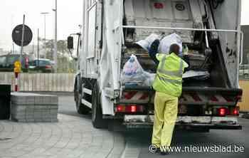 """Afvalophalers staken door groeiende werkdruk tijdens coronacrisis: """"Veel meer papier door pakjesdiensten"""""""