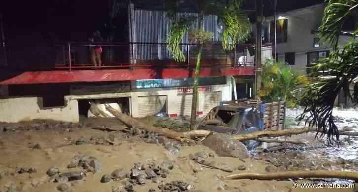 Desbordamiento de una quebrada causa emergencia en Dabeiba (Antioquia) - Semana
