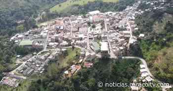 Asalto masivo en vía de Antioquia: roban hasta al personal médico y el herido de una ambulancia - Noticias Caracol