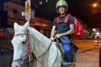 Homem usa cavalo para entregar sanduíches em Vespasiano após alta de gasolina - O Tempo