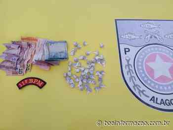 Em Coruripe PM prende dois e apreende 52 bombinhas de maconha - Boa Informação