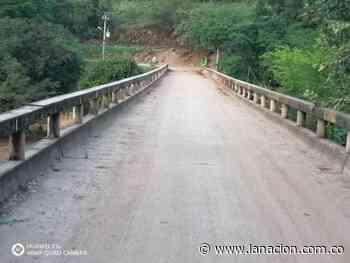 Comunidad de San Alfonso en Villavieja, preocupados por el mal estado del puente • La Nación - La Nación.com.co