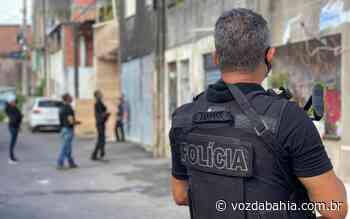 Lauro de Freitas: Homem é preso suspeito de matar mulher e diz que dívida de R$ 380 da vítima motivou crime - Voz da Bahia