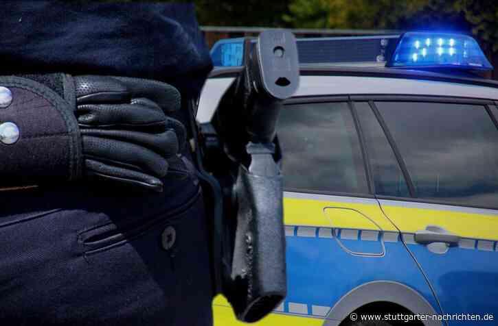 Bretzfeld im Hohenlohekreis - Mann geht mit Messer auf Polizisten los und wird angeschossen - Stuttgarter Nachrichten