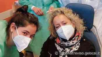 Carolyn Smith testimonial dei pazienti oncologici a Oderzo. «Non abbiate paura vaccinatevi subito» - La Tribuna di Treviso