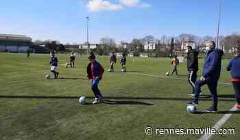 À l'école de foot de Noyal-sur-Vilaine, le contact a été banni aux entraînements - maville.com