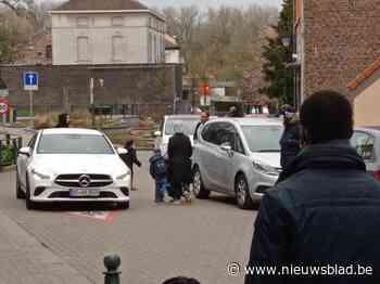 Gemeente stuurt bij na protest ouders en buurt: Kerkstraat wordt opnieuw schoolstraat