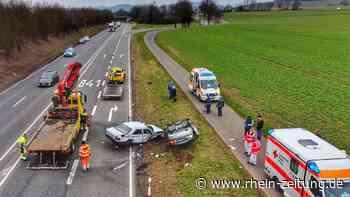 Frontalcrash auf B41 bei Bad Sobernheim – Drei Verletzte aus Mercedes-Wracks geborgen - Rhein-Zeitung